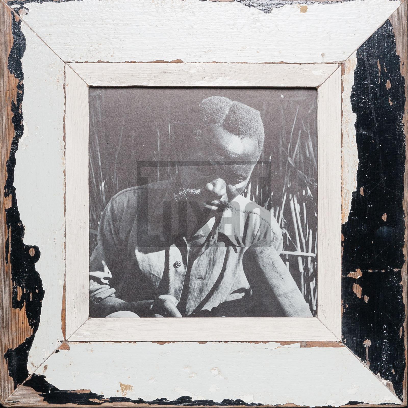 Quadratischer Bilderrahmen aus alten Holzleisten für quadratische 21 x 21 cm