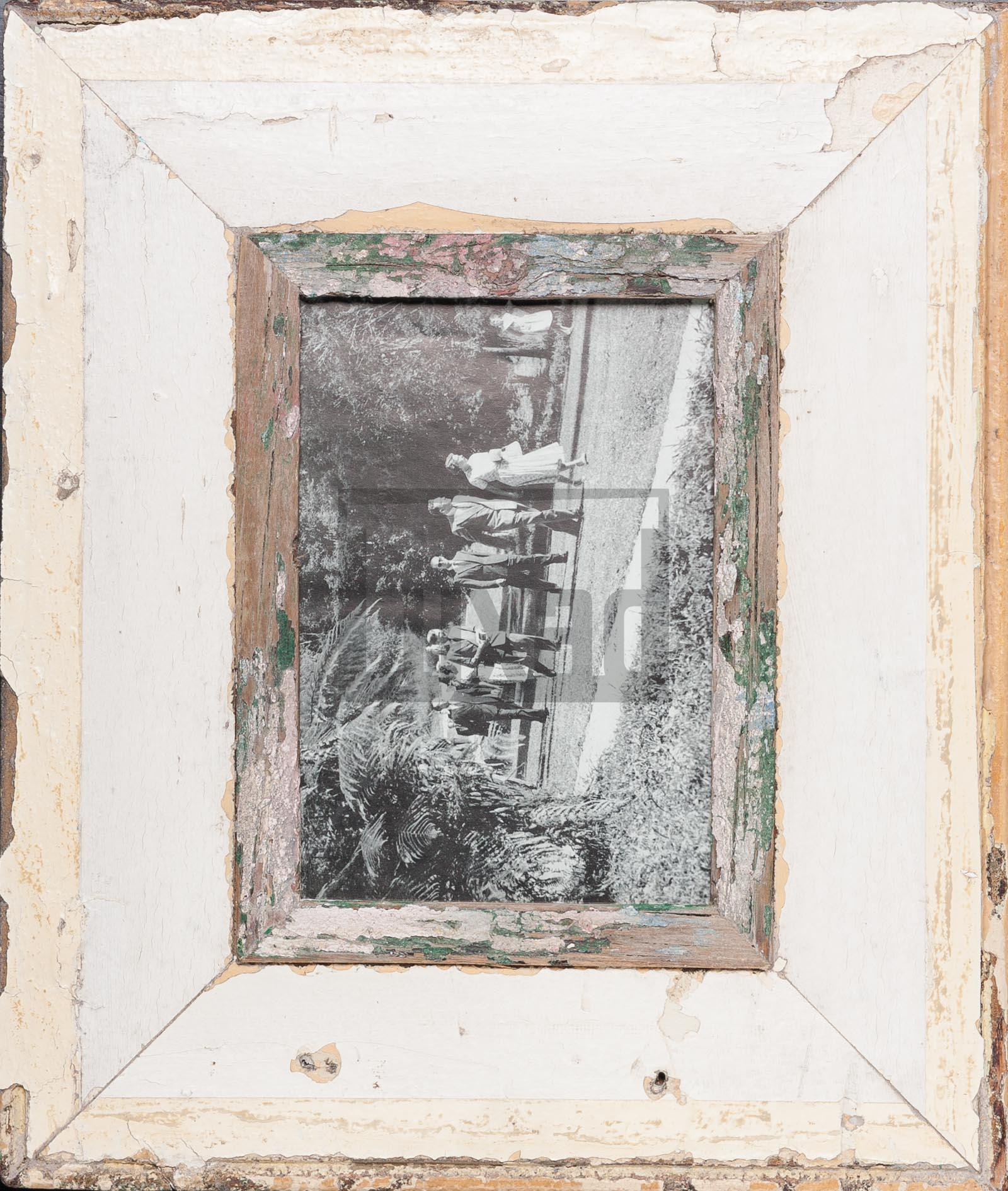 Wechselrahmen aus alten, breiten Holzleisten