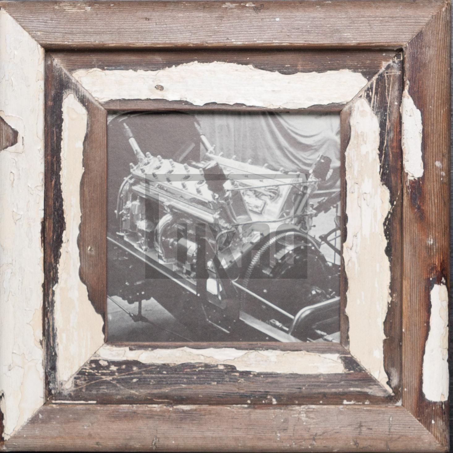 Quadratischer Vintage-Fotorahmen aus recyceltem Holz von Luna Designs