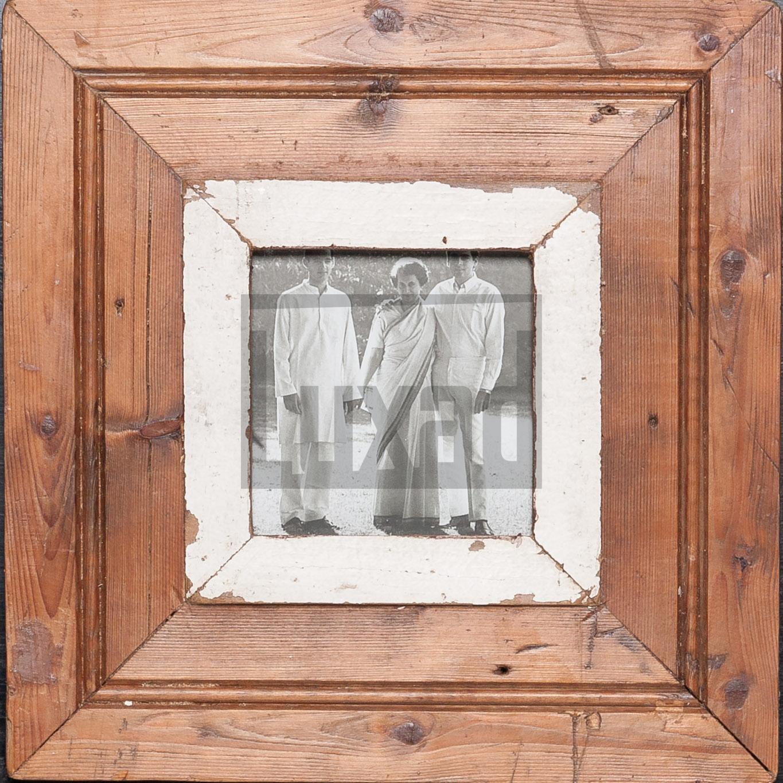 Quadratischer Wechselrahmen aus Altholz für dein Lieblingsfoto